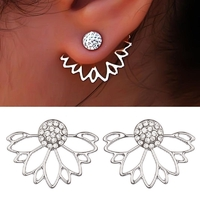 Boucles d'oreilles Fleurs coloris argenté et strass