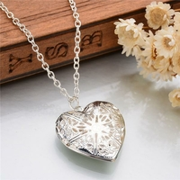 Collier pendentif coeur porte photo et chaîne fine argentée