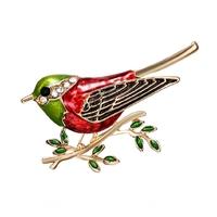 Broche Oiseau Moineau Coloris rouge, vert, or et strass