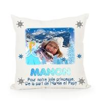 Princesse des neiges.... Coussin personnalisé montage photo, prénom, texte...