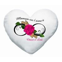 Coussin coeur blanc Maman on t'aime à l'infini personnalisé avec prénoms