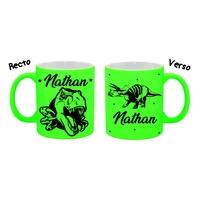 Mug (tasse) Fluo Dinosaure personnalisé avec prénom