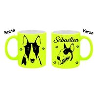 Mug (tasse) Fluo Chien Bull terrier personnalisé avec prénom