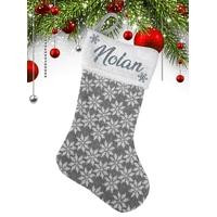 Botte Chaussette de Noël en Laine grise et blanche motif flocons personnalisée avec prénom