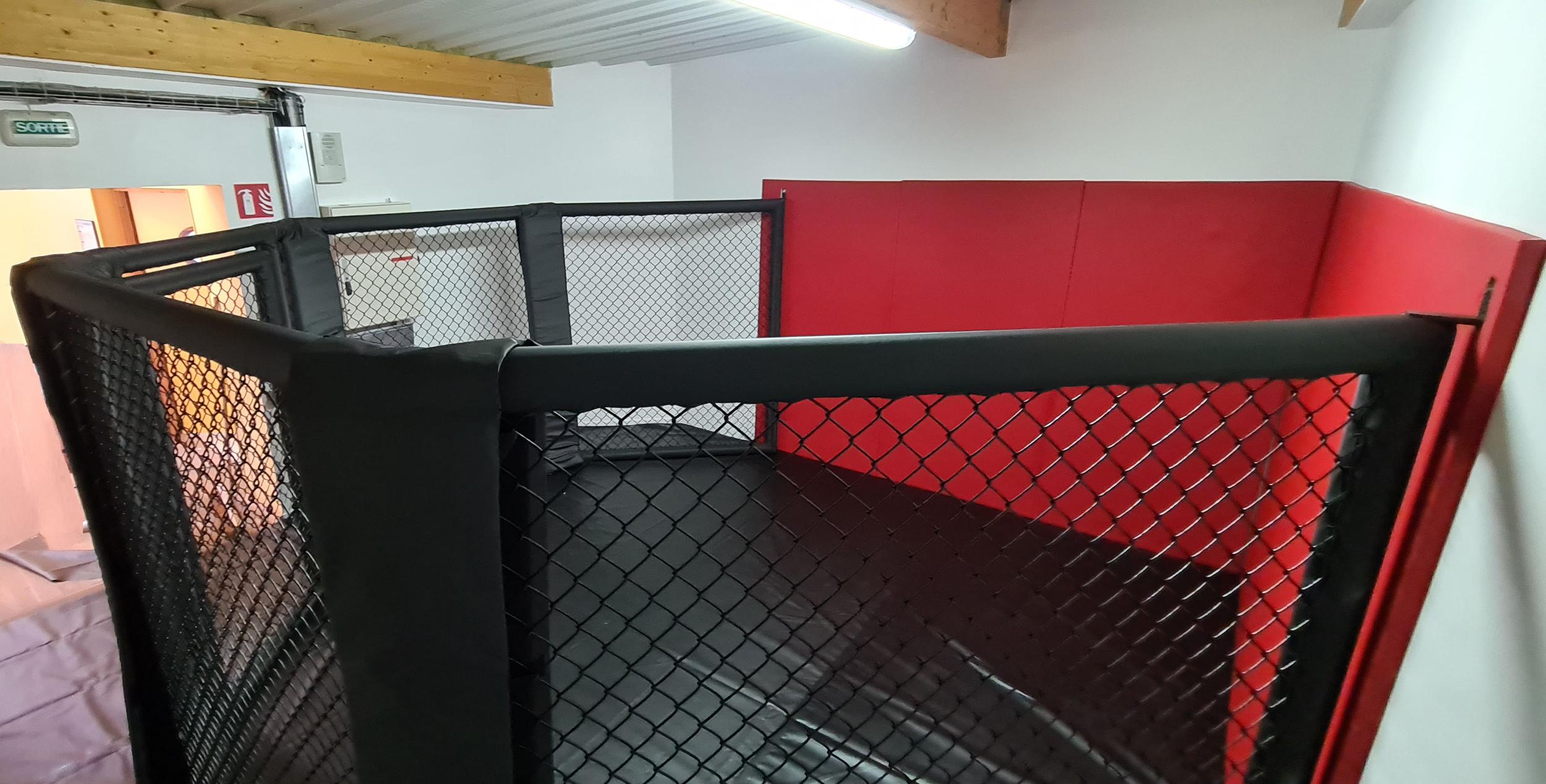 Demi cage de MMA modulaire
