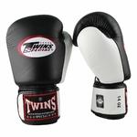 gants_de_boxe_twins_noir_et_blanc
