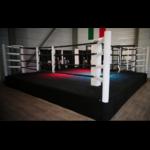 ring-de-boxe-sur-podium-50