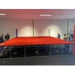 ring-de-boxe-sur-podium