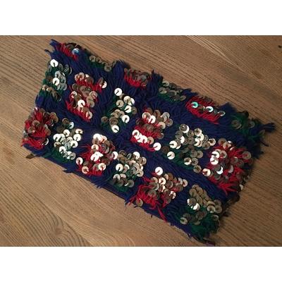Pochette en kilim et sequins