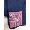 veste bleu de travail bandana rose détail
