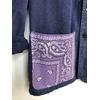 veste bleu de travail bandana mauve détail