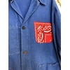 veste bleu de travail bandana rouge détail bis