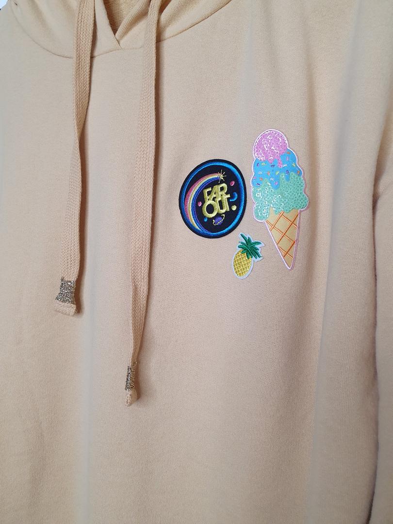 hoodie jaune badge