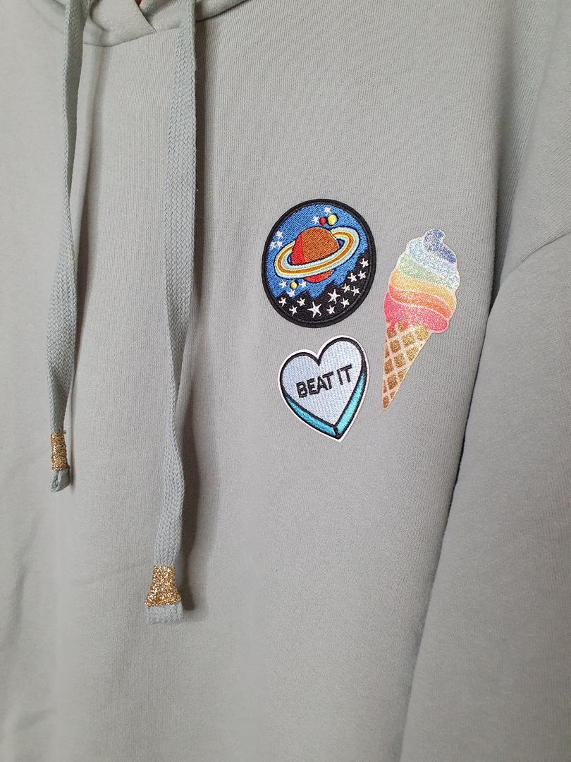 hoodie vert badge