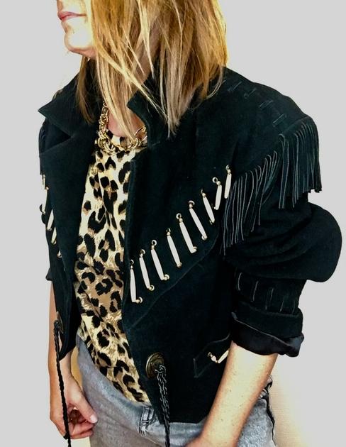 blouson en daim noir vintage porté
