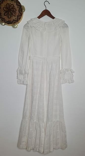 robe blanche vintage bohème dos