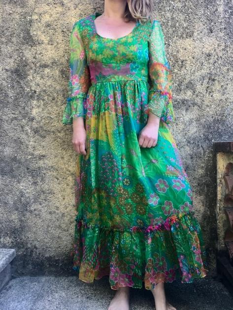 robe longue en soie vintage portée