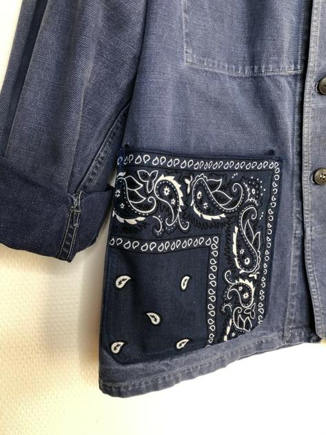 veste bleu de travail bandana bleu marine détail
