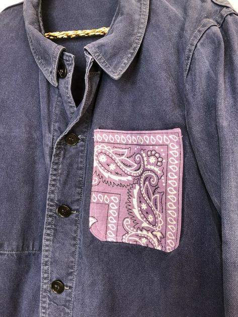 veste bleu de travail bandana mauve détail bis