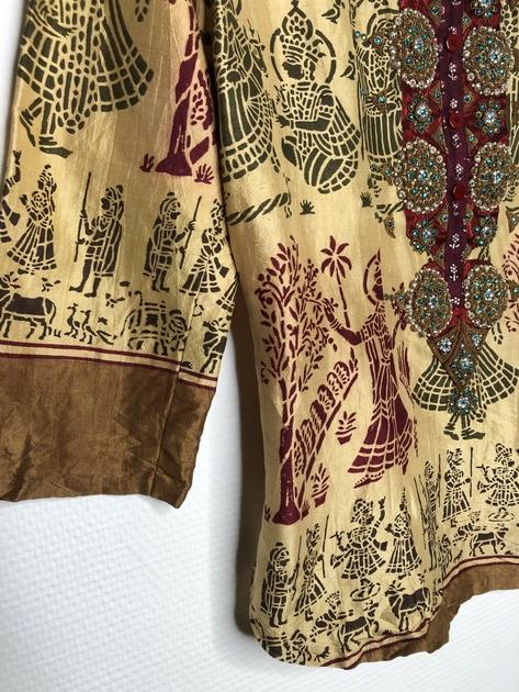 chemise indienne brodée détail