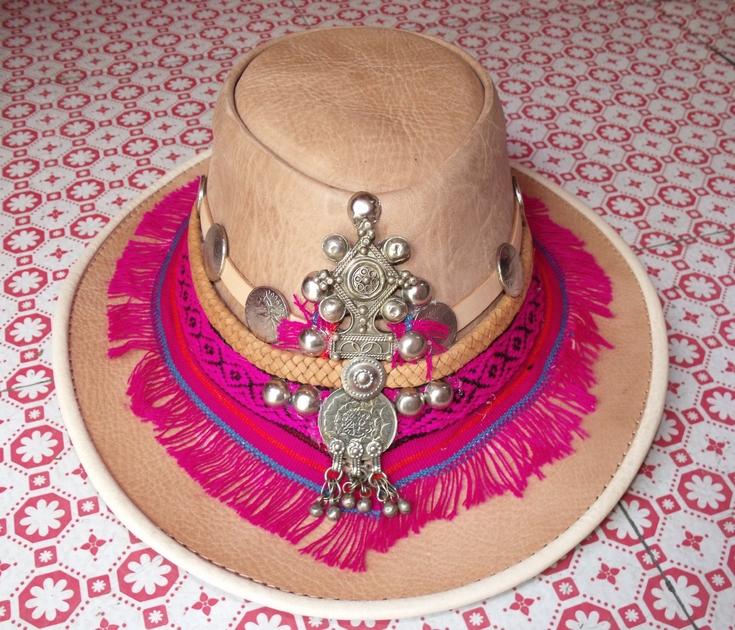 Chapeau cuir rose 1