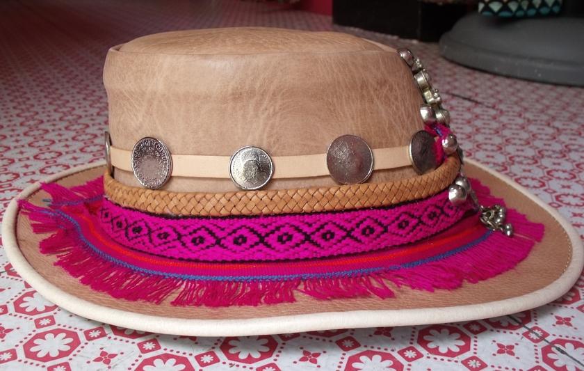 Chapeau cuir rose 2