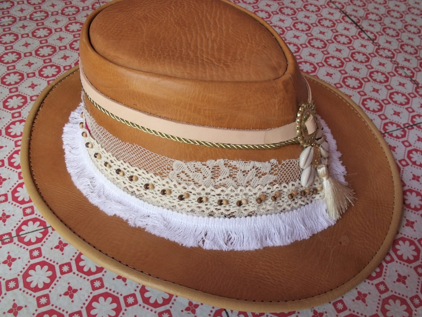 Chapeau cuir blanc 3