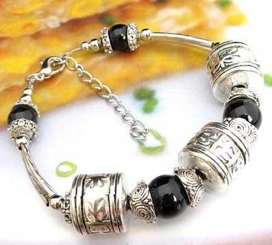 3404-bracelet-tibetain-en-onyx-type-11