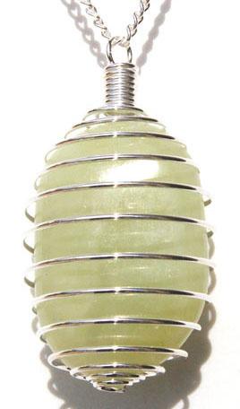 3353-pendentif-pierre-plate-jade-en-spirale