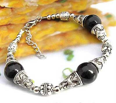 2716-bracelet-tibetain-en-onyx-type-9