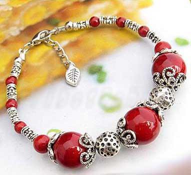 2468-bracelet-tibetain-en-corail-type-7