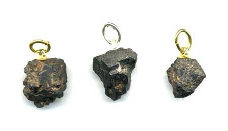 2105-pendentif-tantalite-brute