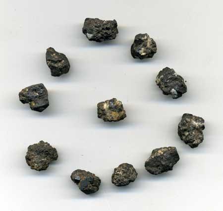 1175-tantalite-brute-mini-de-4-a-8-mm