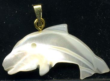 866-pendentif-dauphin-nacre