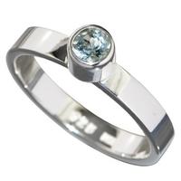 Bague en Topaze bleue facettée de conception élégante
