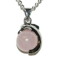 pendentif quartz rose en boule avec dauphin 22 mm