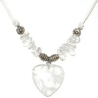 Collier cristal de roche coeur clarté et prévenance