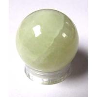 Boule de massage en Jade  de 3 cm avec  support plexi