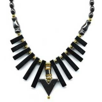 Collier hématite Egyptien triangle