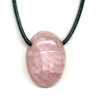 Collier quartz rose Scarabée
