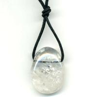 Pendentif cristal de roche avec cordon
