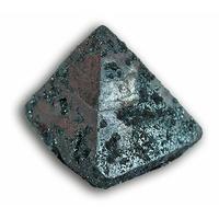 La Pyramide Ferrimagnétique
