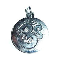 """La médaille des Divinités """"OM"""" argenté en relief"""
