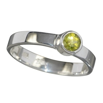 6859-bague-en-peridot-facette-de-conception-elegante
