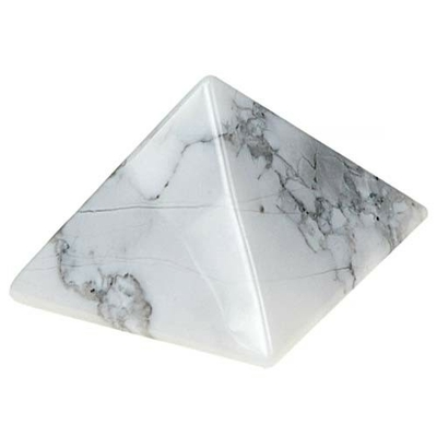 6172-pyramide-en-howlite-30x30mm