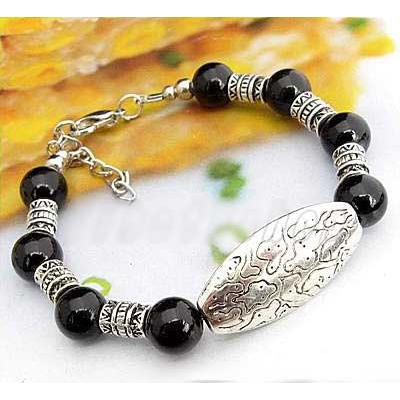 2720-bracelet-tibetain-en-onyx-type-10