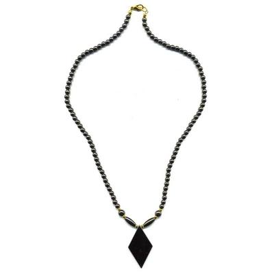 1895-collier-hematite-losange