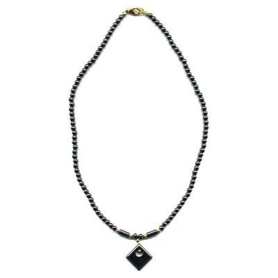1873-collier-hematite-avec-losange-et-perles