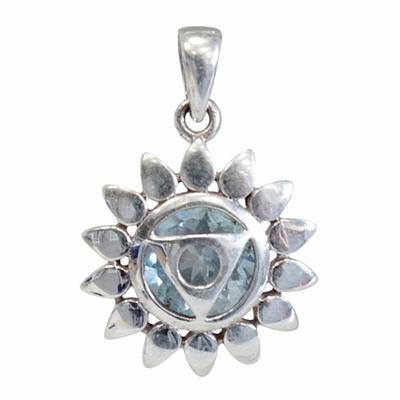 Médaille-Chakra-Vishuddha-Argent-925-avec-Topaze-Bleue-Naturelle