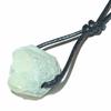 7782-pendentif-chrysoprase-brute-avec-cordon